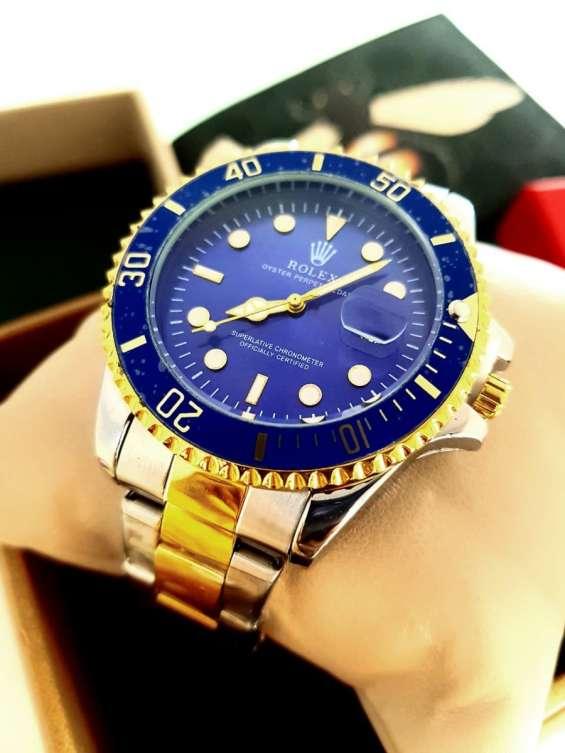 Compro reloj de marca llamenos whatsapp 0414 908 51 01 caracas
