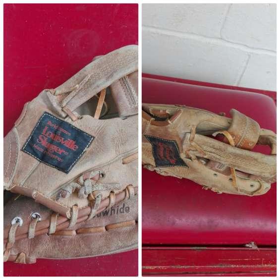 Guante y mascota de beisbol