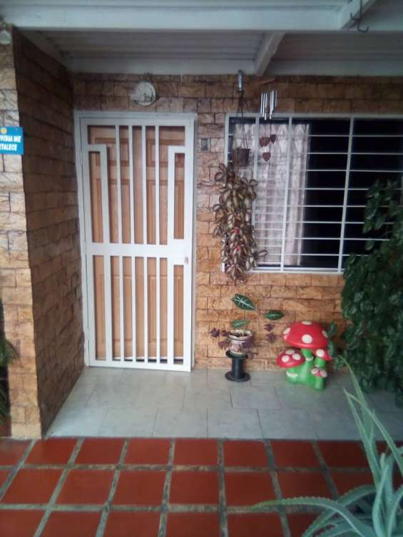 Vendo linda casa en terrazas paramacay naguanagua