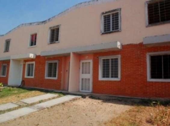 Sky group vende town house en calicanto