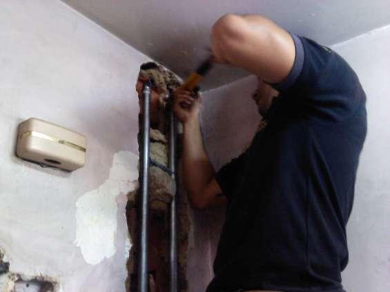 Plomero plomería reparación de tuberias filtraciones caracas