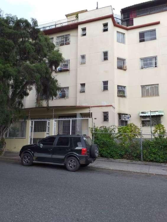 Lomito fresco vendo apartamento en la avenida victoria 9800 verdes