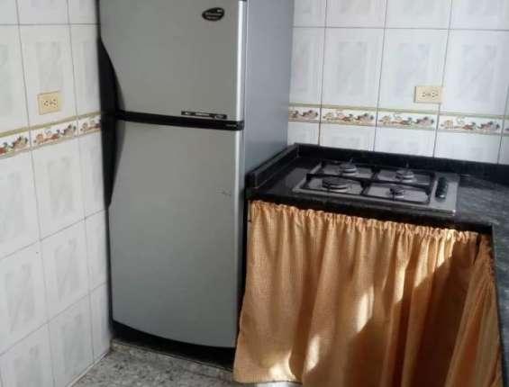Apartamentos en alquiler av. victoria ucv
