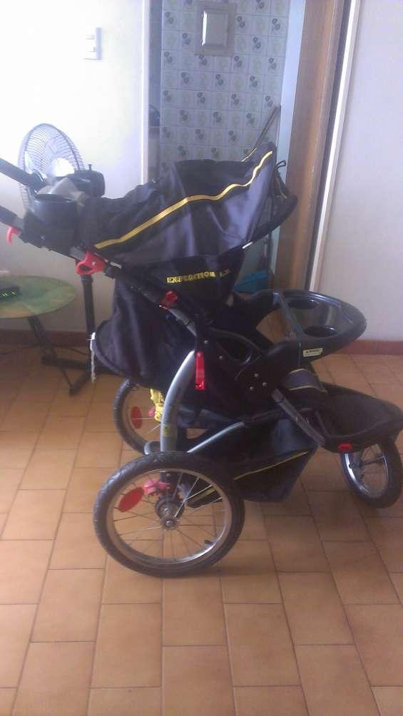 Venta de coche con porta bebe